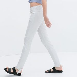 ZARA  Low Rise Ripped Jean:White, US 8/EUR